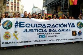 Policías y guardias civiles de Baleares se manifiestan en Madrid para exigir su equiparación salarial