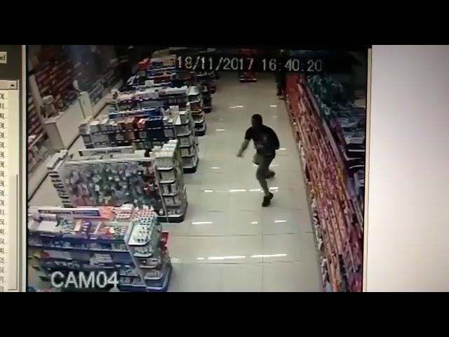 Un policía mata a dos asaltantes en Brasil mientras llevaba a su hijo en brazos