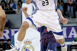Fischer domina al Baskonia y el Madrid se afianza en la segunda plaza