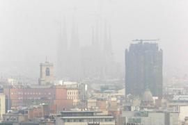 Barcelona multará con 100 euros a los coches más contaminantes que circulen en episodios de polución