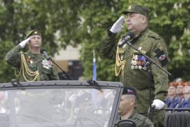 Hombres armados toman el centro de la ciudad prorrusa de Lugansk