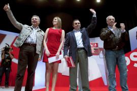 Blanco llama «cobarde» a Rajoy