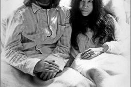 El exchófer de Yoko Ono, sospechoso del robo de un centenar de objetos de Lennon