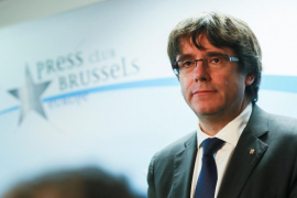 Puigdemont considera que aún es presidente de Cataluña y renuncia al sueldo de expresidente