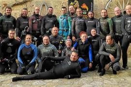 Los mejores fotógrafos submarinos se citan en aguas de Cala Morlanda