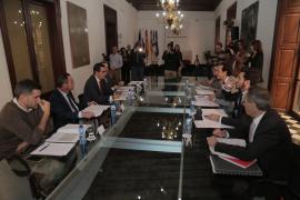 Baleares, Canarias, Ceuta y Melilla crean el Comité de Regiones Extrapeninsulares para pedir el descuento del 75% en los vuelos a la península