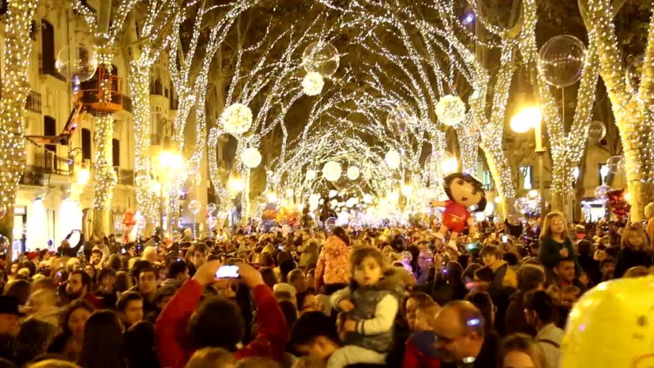 Las luces de Navidad ya brillan en Palma