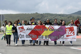 La  Guardia Civil impide el acceso al 'aeropuerto fantasma' de Castellón