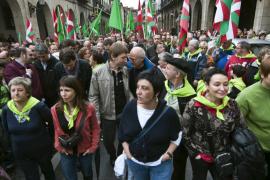 Miles de personas se manifiestan en Gernika pidiendo la independencia
