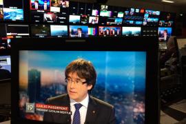 Puigdemont exige diálogo bilateral con Rajoy y asegura que no está fugado ni pedirá asilo