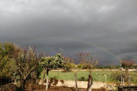 Este lunes cielos nubosos en Baleares y vientos fuertes en Menorca