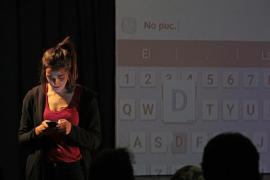 Ona Beneït lleva el monólogo 'Ones' al Teatre Catalina Valls
