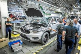 Volvo inicia la producción de su primer SUV premium compacto