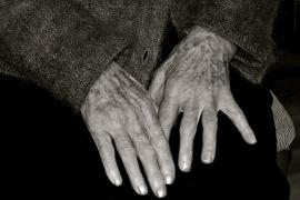 Ana Vela, la mujer más longeva de Europa, vive en un geriátrico en Barcelona junto a su hija de 90 años