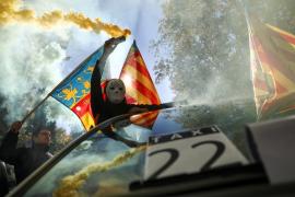 Arranca en Madrid la multitudinaria manifestación de taxistas que piden regularizar a Uber y Cabify