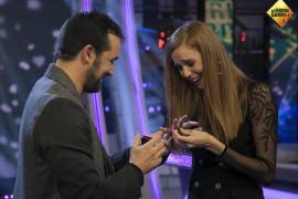 El novio de María Castro le pide matrimonio en televisión
