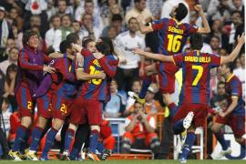 Messi resuelve un partido volcánico, polémico y sin fútbol (0-2)