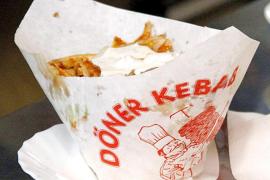 La Unión Europea no prohibirá los kebabs