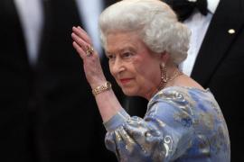 Isabel II ofrece una cena a la realeza en la víspera de la boda de su nieto