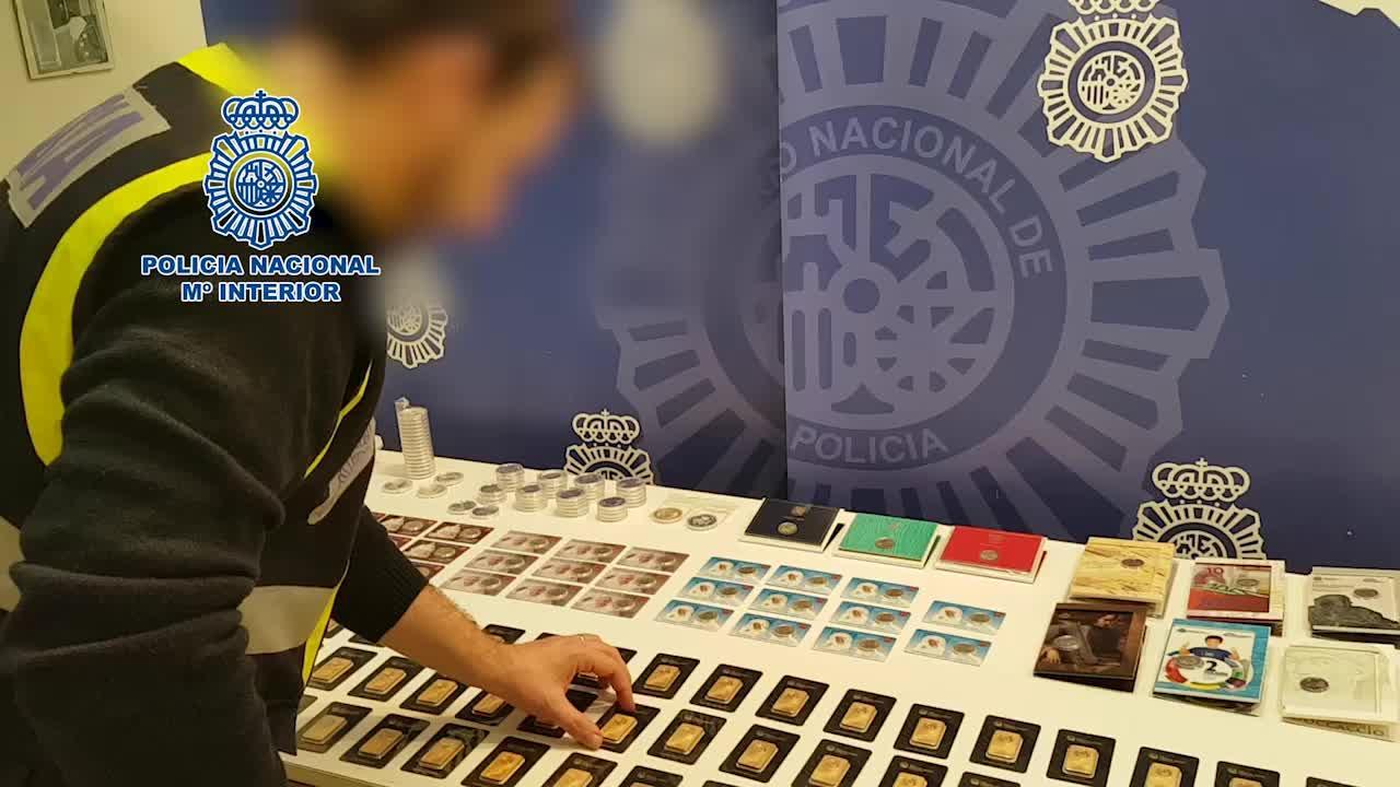 Detenido un estafador que vendía 'online' falsos lingotes de oro