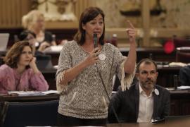 Armengol destaca que «ninguna plaza sanitaria quedará sin cubrir» por el decreto del catalán