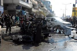 Al menos 8 muertos por una explosión en un microbús en Homs