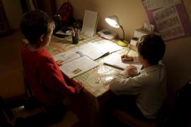 La conselleria de Educació recomienda que los deberes en Primaria no superen una hora al día