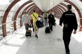 Detenida la cabecilla de un grupo organizado dedicado a robar en el aeropuerto de Palma