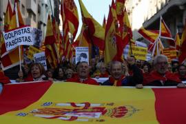 Una manifestación en favor de la Constitución reúne a unas 12.000 personas en Barcelona