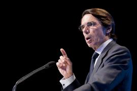 Aznar: «¿Qué más necesitan algunos que pase en España para poner fin a esto?»