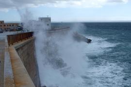 La borrasca 'Ana' deja este domingo en Baleares precipitaciones débiles y vientos de hasta 100 km/h