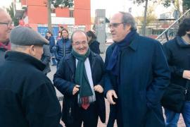 Dimite un profesor universitario que lanzó un insulto homófobo a Miquel Iceta