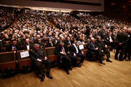 Dos ministros participan en un homenaje al criminal de guerra que se suicidó en La Haya