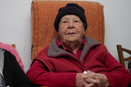 La ibicenca Catalina Cardona cumple 101 años rodeada de su familia (Fotos: Marcelo Sastre).