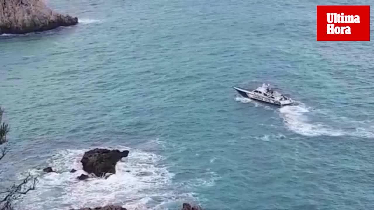 Continúa la búsqueda del joven que fue arrastrado por el mar en Santa Ponça