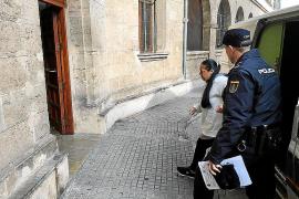 'La Guapi' acepta medio año de cárcel por agredir a un policía en Son Banya