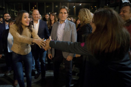 Inés Arrimadas lamenta que el actor Toni Albà la llame «mala puta» y él lo niega
