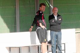 Serra deja las renovaciones en manos de Laudrup