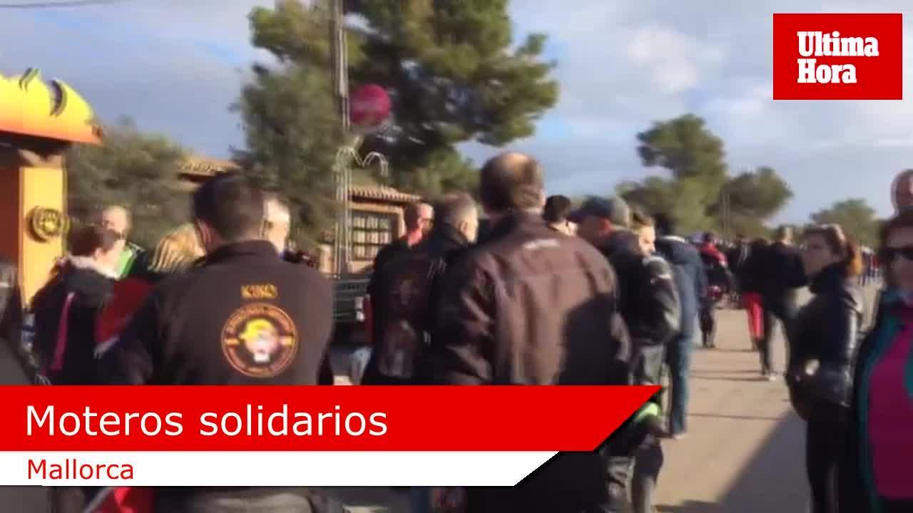 Los niños ingresados en los hospitales de Mallorca reciben una visita motera