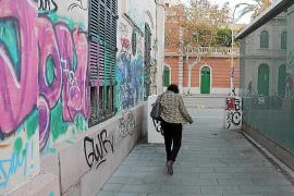 SFM limpiará de forma subsidiaria las pintadas del hostal Términus
