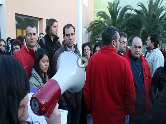 Los alumnos de la UNED se manifiestan contra el recorte del Consell