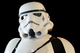Detenido un chino que iba a vender 18.000 máscaras falsas de Star Wars