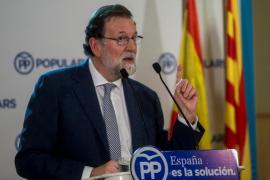 Rajoy pide un «último arreón» para convencer a los indecisos