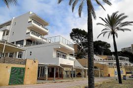 Juzgan a una limpiadora de un hostal de Peguera por el robo de 30.000 euros