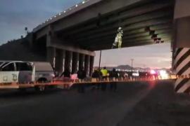 Hallan seis cadáveres colgados en puentes en el noroeste de México