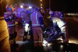 Un herido en un accidente de tráfico frente al edificio de Gesa