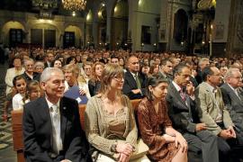 La solemne investidura de ses Valentes Dones da paso a la Fira y el Firó