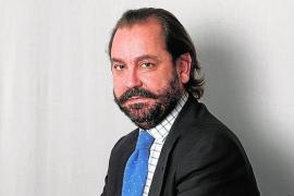Ramón Pérez-Maura recomienda en ABC un «tratamiento brutal de quimioterapia» contra el «cáncer nacionalista» del PP balear