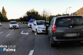 Un herido leve al entrar un coche a la Vía de Cintura en dirección contraria