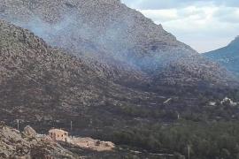 El incendio de Pollença sigue activo tras quemar 80 hectáreas